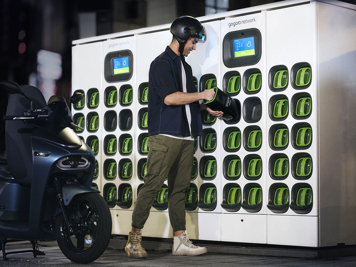 Battery Swapping Smart Tech | Gogoro